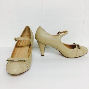 Size 10 Tan Retro Pinup Mary Jane Heels Classics